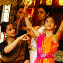 Classical-bollywood-dance-classes-with-sonia-sabri-1548967807