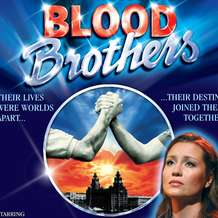 Blood-brothers-tour