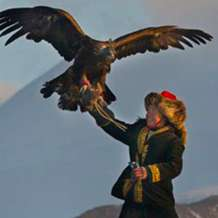 The-eagle-huntress-1481838126