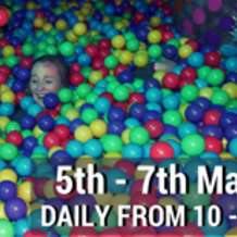 Huge-adult-only-ball-pit-1493730306