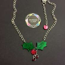 Christmas-workshop-working-clasp-1480882520
