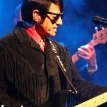 Bary-steele-as-roy-orbison-1548623131