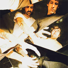 A-place-to-bury-strangers-1418678706